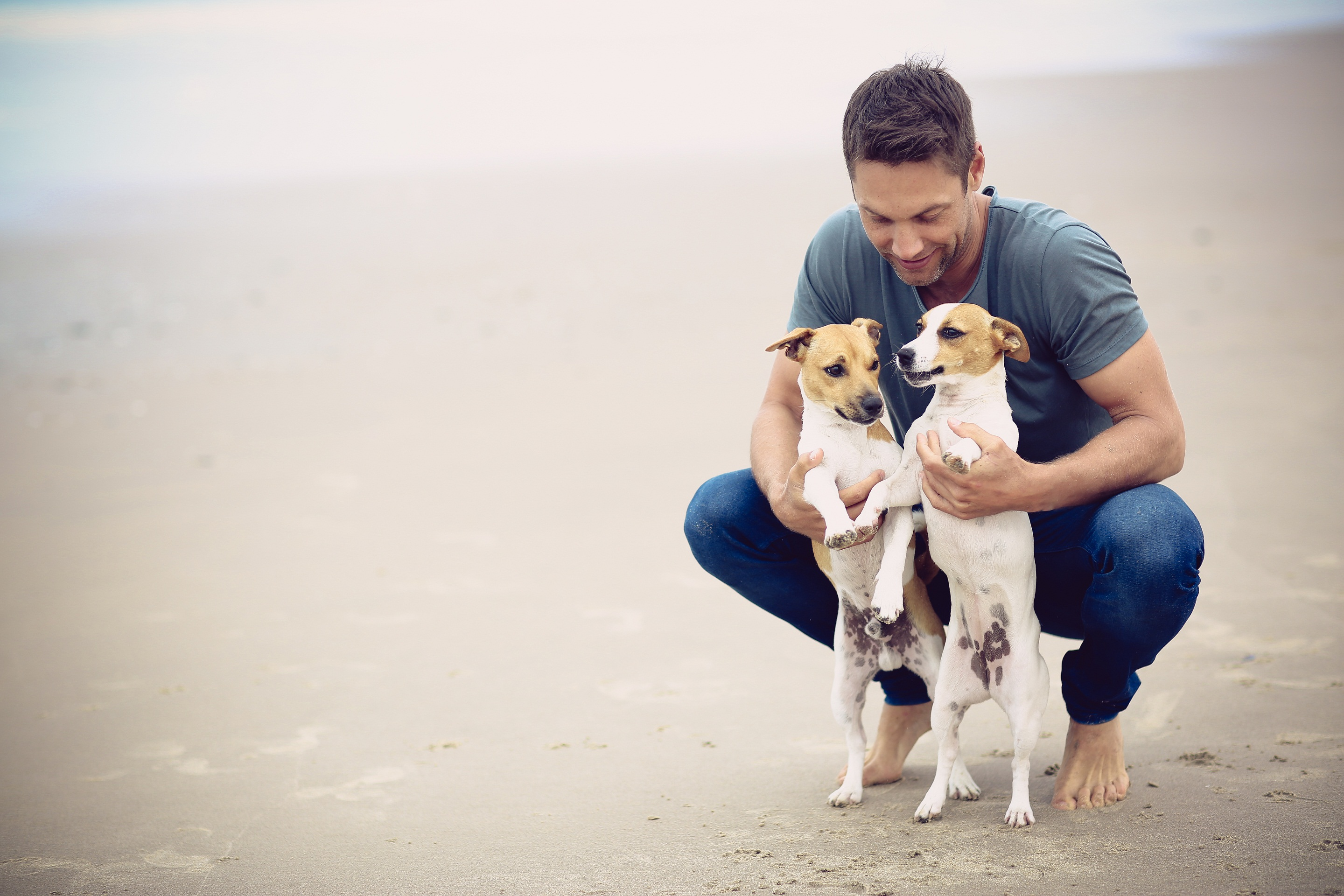 Stefan enjoying some time out on the beach with his beloved pooches Singer/actor Stefan Ludik - a man who loves his dogs Singer/actor Stefan Ludik - a man who loves his dogs Stefan1